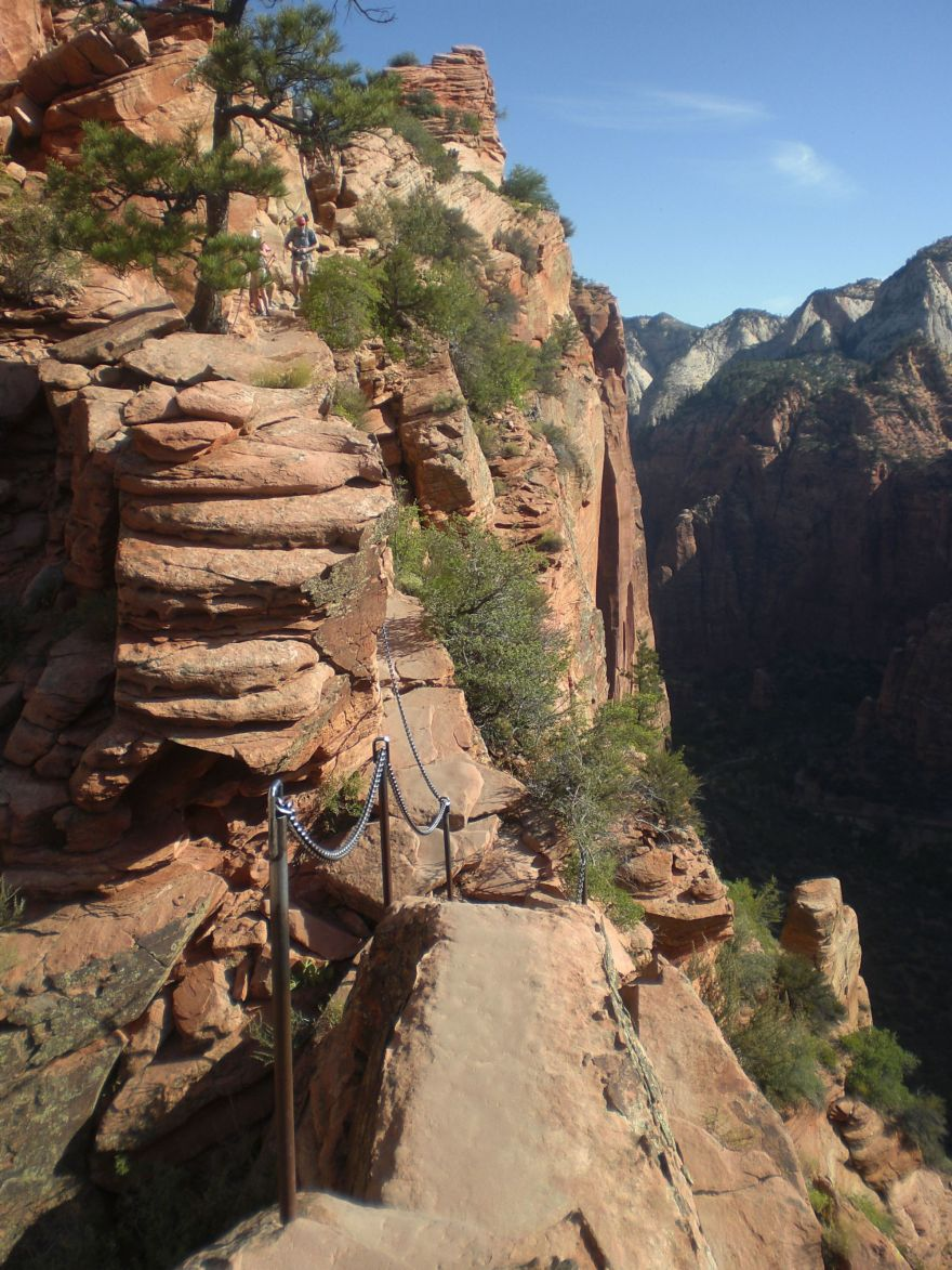 Hiking Angels Landing: This is not Disneyland!