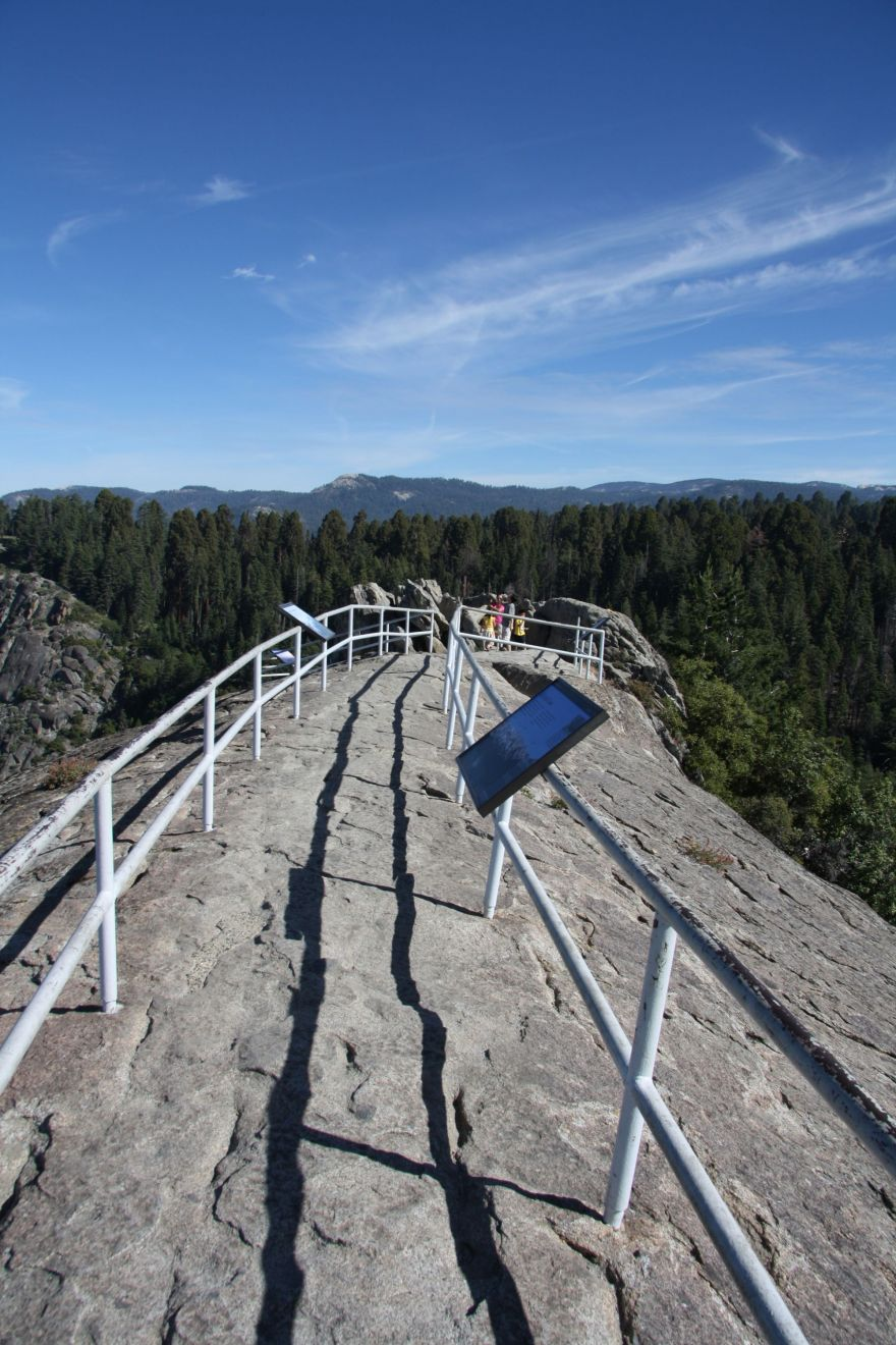 How to experience the best view in Sequoia National Park