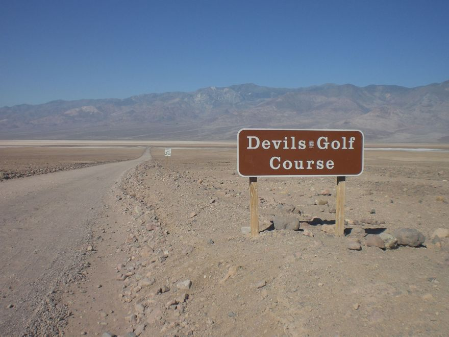 Entrance sign to the Devil's Golf Course