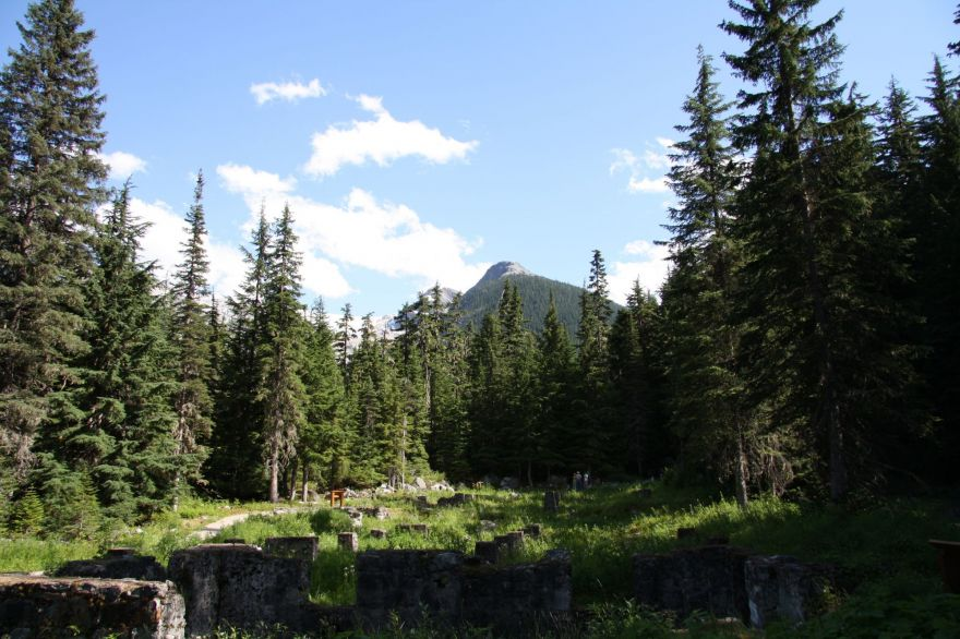 Great Glacier Crest Trail
