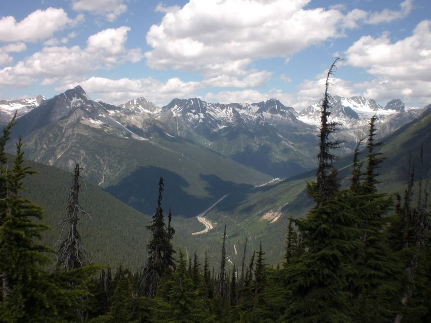View from the Great Glacier Crest Trail