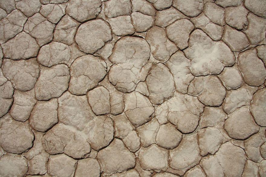 Dry sand