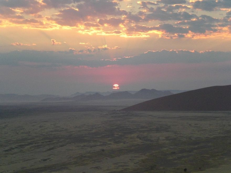Sunrise in Sossusvlei
