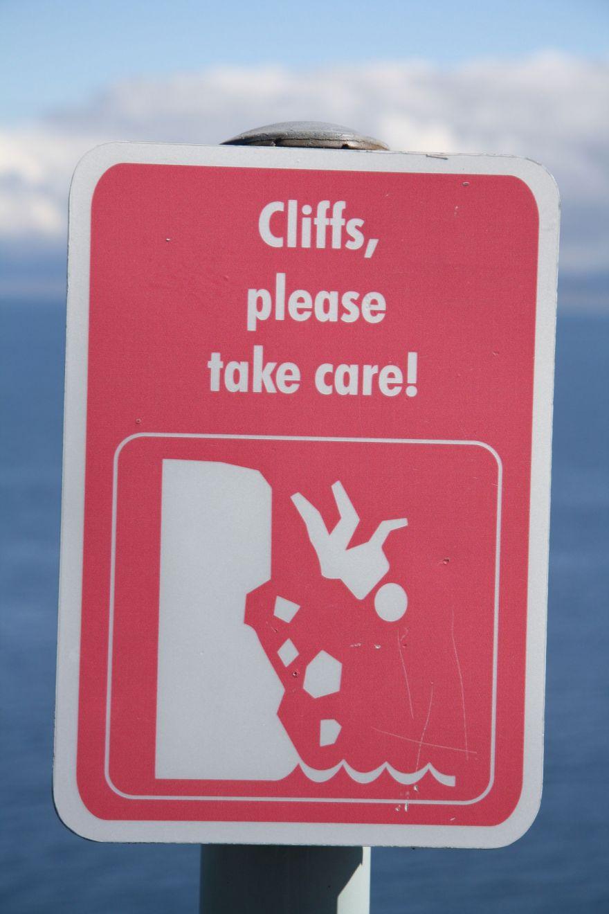 Warning sign cliffs